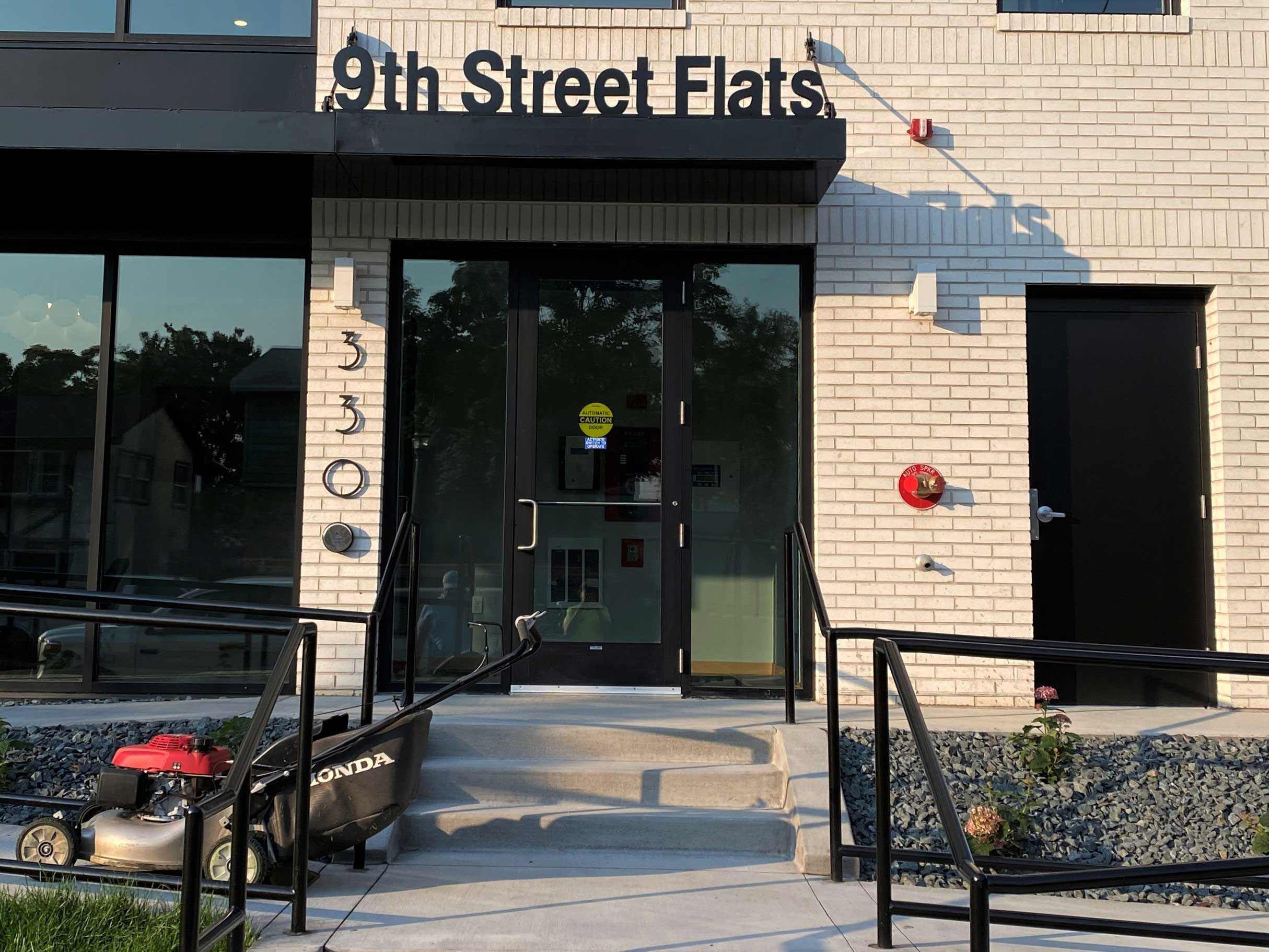 9th street flats - Dimensionall Letters sign - Impression Signs and Graphics